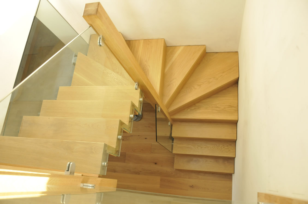 Freestanding-Oak-Stairs2